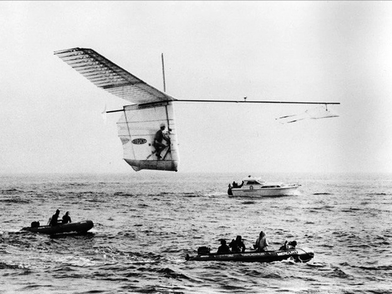 Bryan Allen powers and pilots Paul MacCready's Gossamer Albatross across the English Channel in 1979.